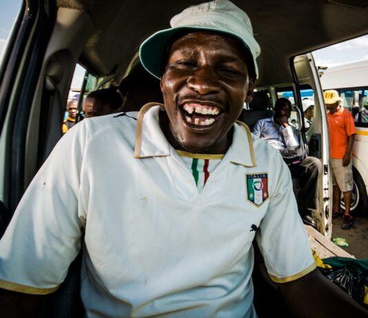 Bericht uit Zuid-Afrika #12-lachende taxi chauffeur in Johannesburg
