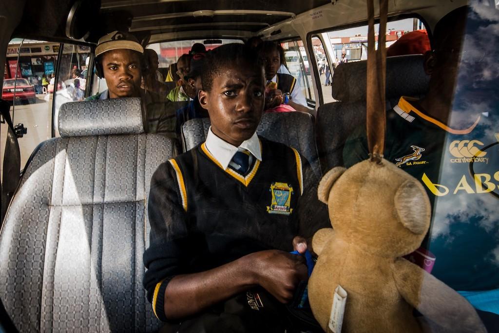 Bericht uit Zuid-Afrika #12-passagiers in minibus taxi in Johannesburg
