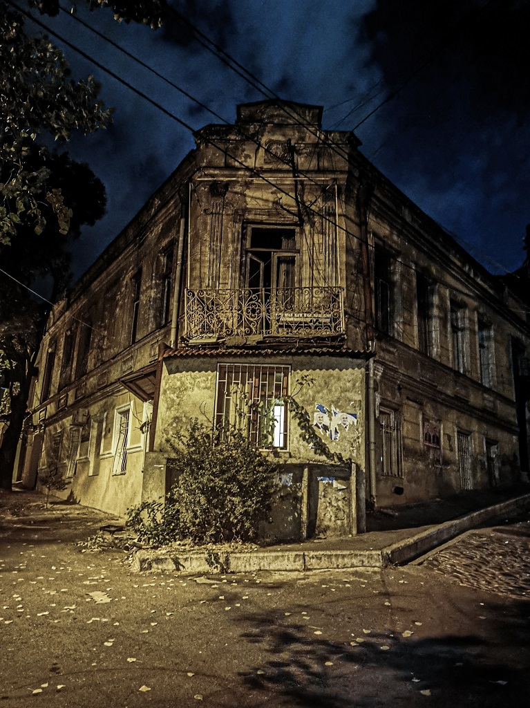 vervallen huis